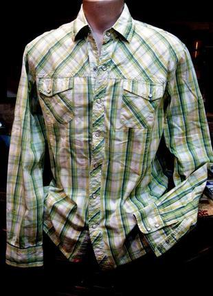 Рубашка в клетку на на кнопках