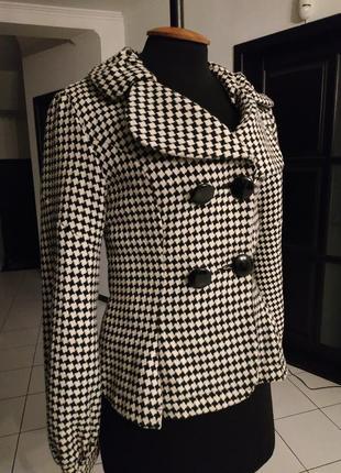 Короткое демисезонные пальто - пиджак из каталога квелле