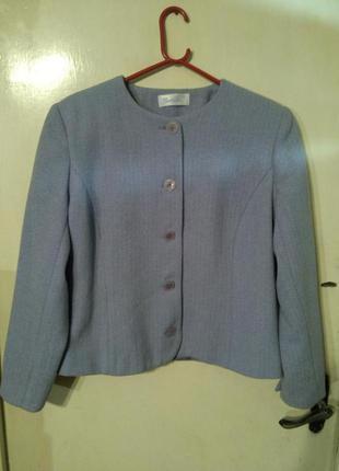 Cветло-сиреневый пиджак-жакет