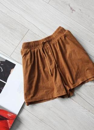 Красивые коричневые шорты замш карманы рещинка 8 с