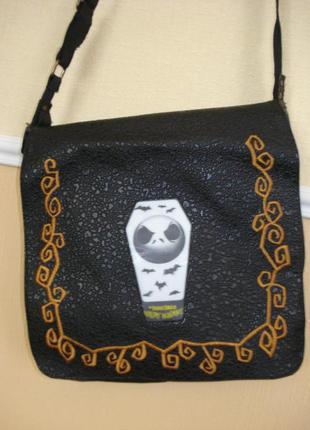 Джинсовая сумка через плечо с принтом