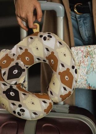 Комплект: двухсторонняя подушка для путешествий и маска для сна, в дорогу-медведи