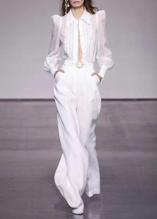 Шикарный белый костюм стиль zimmermann