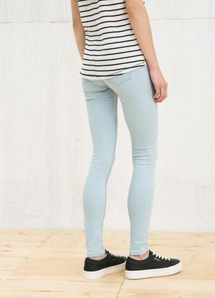 Стрейчевые джинсы bershka низкая посадка