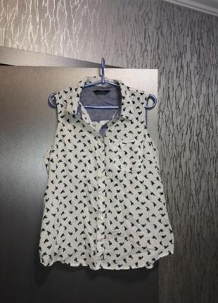 Модная рубашка в идеальном состоянии
