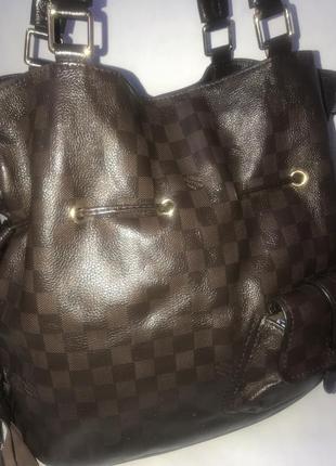 Франция! большая кожаная сумка- шопер  на плечо louis vuitton. формат а-4.