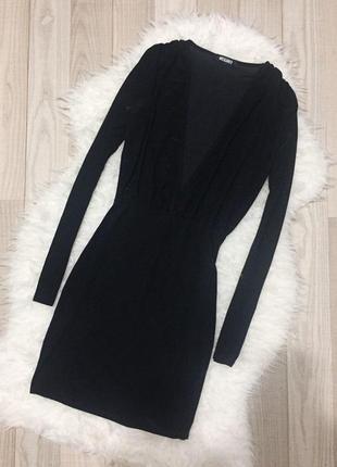 Сексуальное платье с вырезом