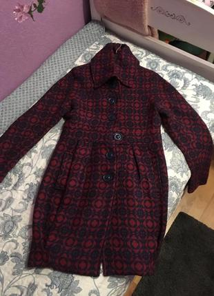 Стильное пальто из натуральной шерсти