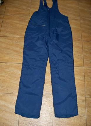 Утепленный лыжный комбинезон, штаны для сноуборда.