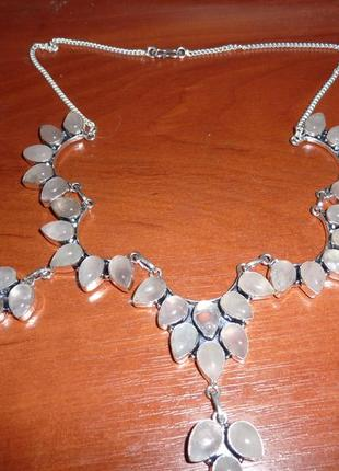 Ожерелье с розовым кварцем