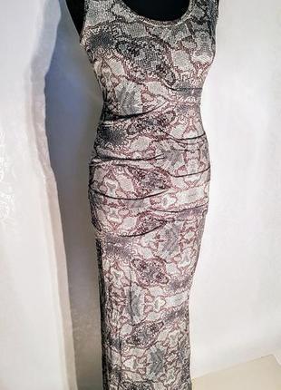Шикарное макси платье трикотажное с змеиным принтом.