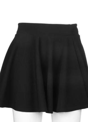 Чёрная юбка короткая