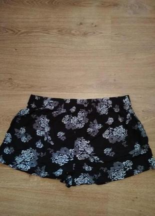 Стильные короткие летние шорты / l