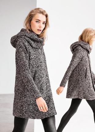 Стильное, тёплое буклированное пальто vila clothes p.s-m