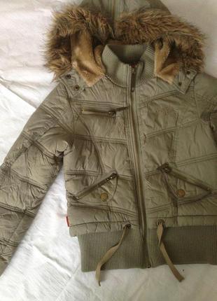 Курточка для девочки reporter