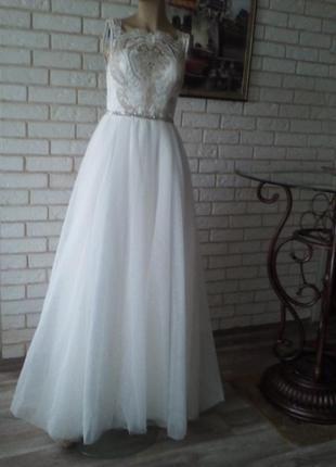 Обалденное,роскошное,свадебное платье со шлейфом с новой коллекции. s -m