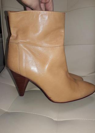 Кожаные ботинки ботильёны полусапожки на каблуке