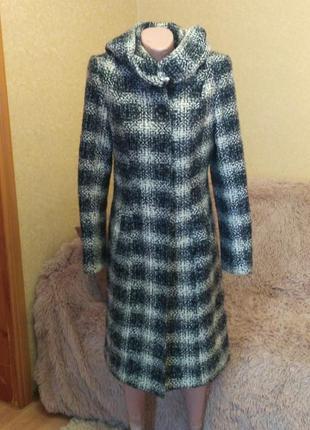 Теплое шерстяное пальто на двойном синтепоне, с капюшоном