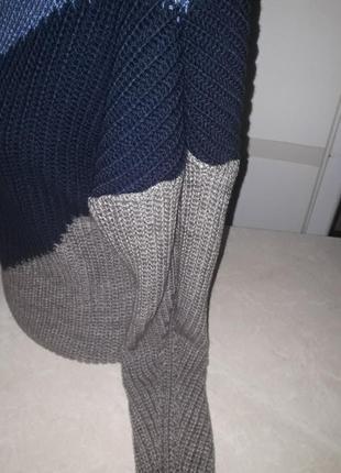 Стильный,объемный свитер.3