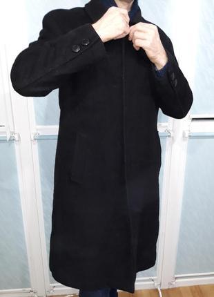 Строгое мужское черное пальто с подстежкой-утеплителем