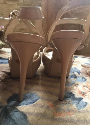 Лаковые пудровка туфельки