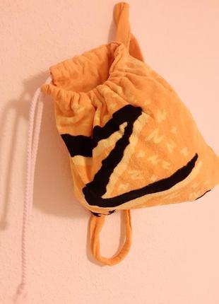 Пляжное полотнце рюкзак