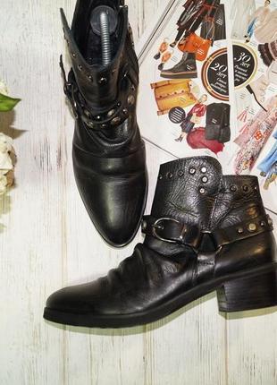Fraipe! кожа! италия.  стильные ботинки с заклепками, полусапожки на удобном каблучке