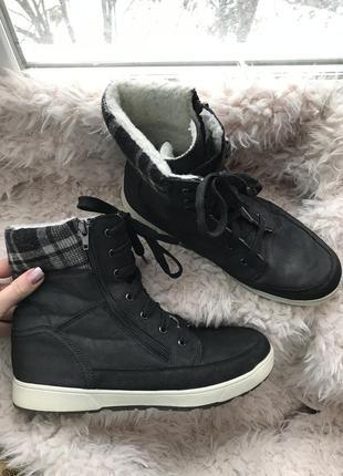 Ботинки чёрные зимние тёплые на шнурках/молнии