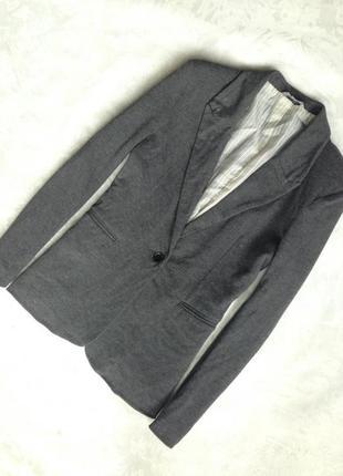 Мягкий пиджак и много брендовых вещей дешево! торг! заходите!