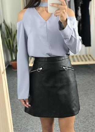 Брендовая черная кожаная мини юбка с карманами на молнии primark этикетка