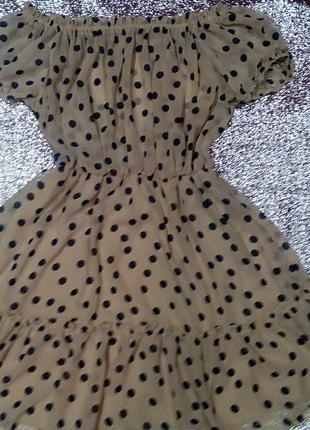 Лёгкое платье new look в горох на приспущенных плечах