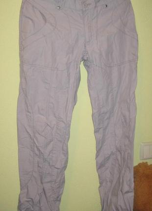 Стильные брендовые брюки светло-серые