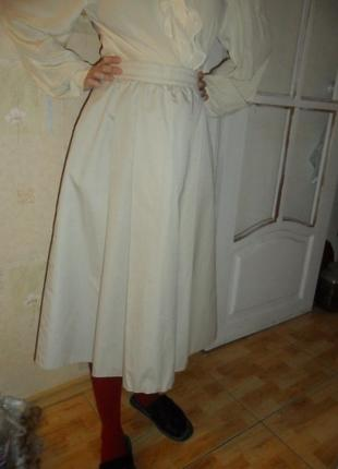 Красивая миди юбочка молочного цвета