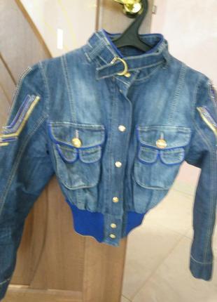 Легкая куртка gizia