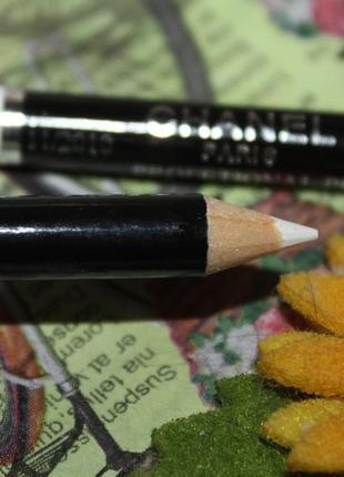 Белый мягкий карандаш с растушевкой