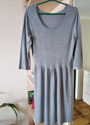 Замечательное демисезонное платье высокого качества,р.46-48.