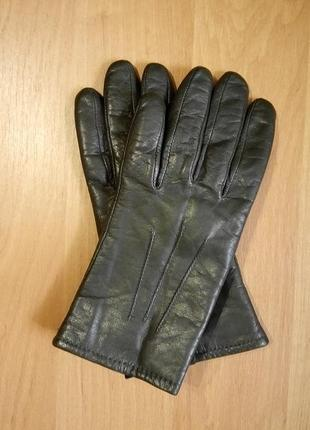 Кожаные тёмно оливковые перчатки осень-зима... размер s marks&spencer