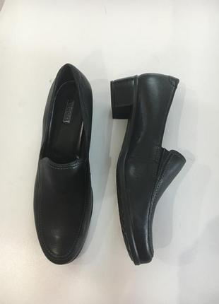 Фирменные туфли от ecco стелька 39,40 размер
