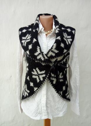Трендовая теплая интересная вязаная жилетка на завязках ,мохер,шерсть,кэжуал,этно.