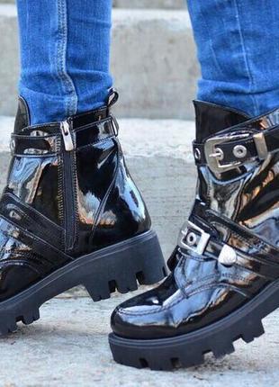 Ботинки/берцы/женское черные ботинки/плоский ход/грубые ботинки/демисезон