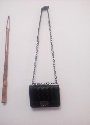 Маленькая,стеганая сумка chanel