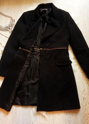 Черное шерстяное пальто с молнией на талии поперек и карманами длинное зимнее теплое