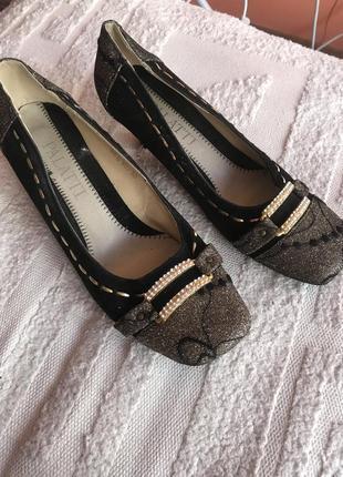 Женские туфли 38 размер стелька 24,5см