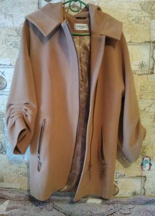 Круте-осіннє пальто\ виробник - італія