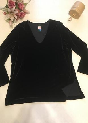 Красивая блуза из стрейч- велюра