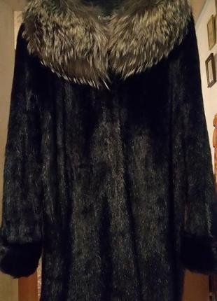 Шуба из дикой  норки сурка с шикарным воротником из чернобурки