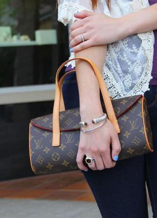 Крутая сумка малышка lv