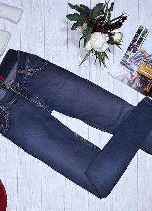 Безумно красивые джинсы guess.