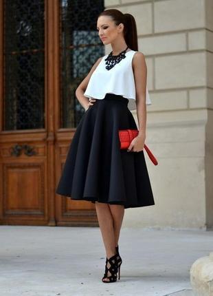 Темно синяя юбка из плотной ткани