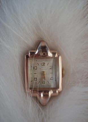 Золоченые часы заря 1950е 16 камней рубинов